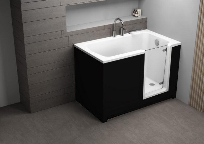 Ванна акриловая 135x75 PERE + черная панель